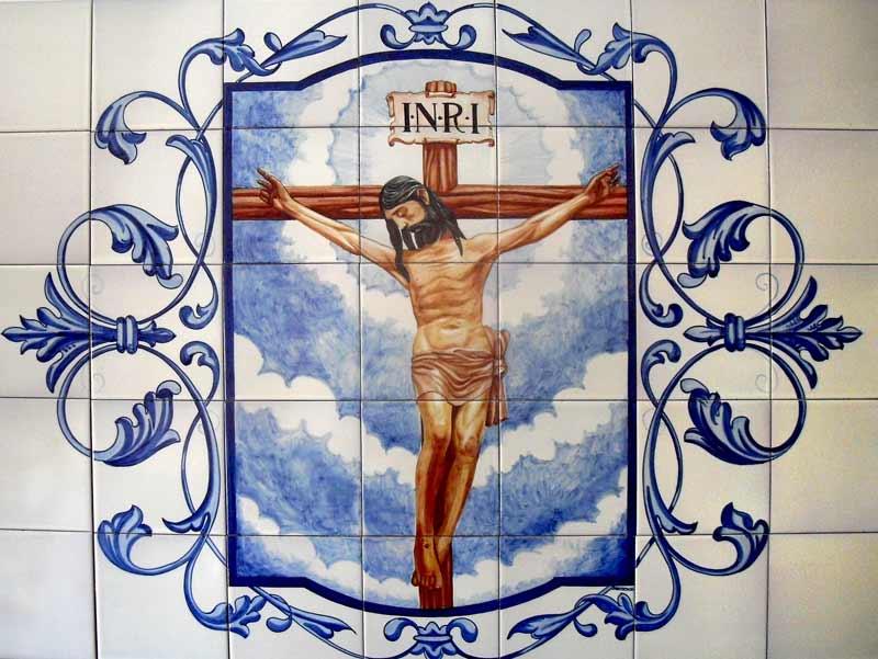 Azulejos sevillanos artesanos pintados a mano - Cerámicas Artesur - Cristo crucificado