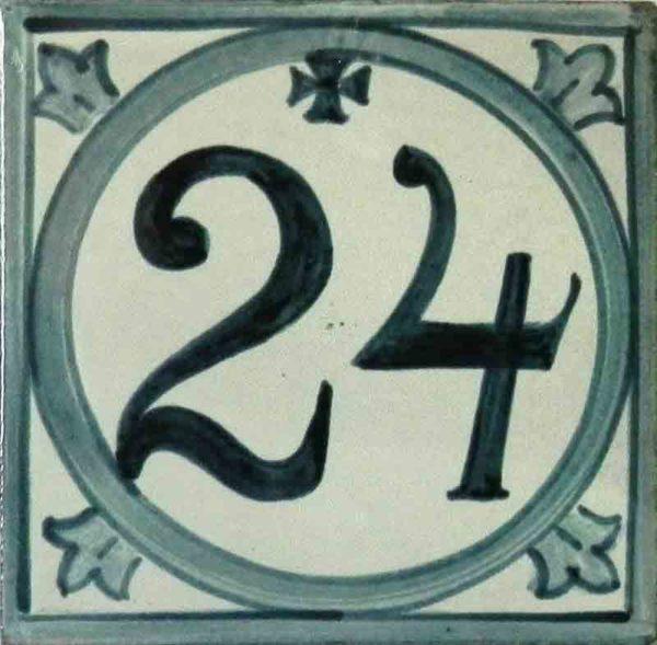 Azulejos sevillanos artesanos pintados a mano - Cerámicas Artesur - Comerciales - Número 24