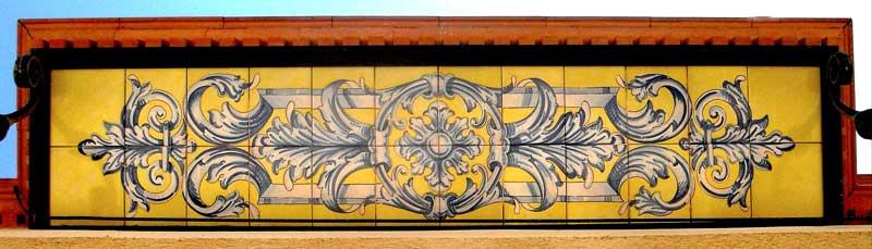 Azulejos sevillanos artesanos pintados a mano - Cerámicas Artesur - Balcón-2