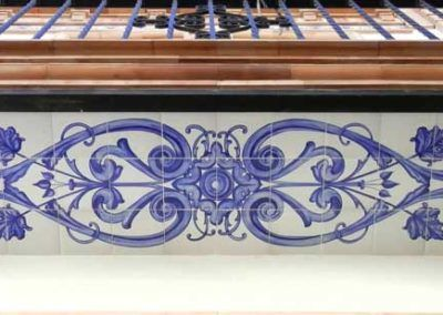 Azulejos sevillanos artesanos pintados a mano - Cerámicas Artesur - Balcón-4