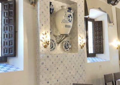 Decoración de azulejos para Hostería del Estudiante en Alcalá de Henares