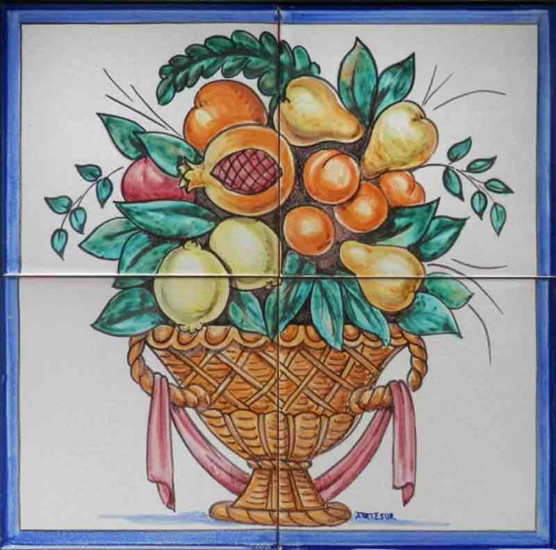 Cesta con granada y frutas