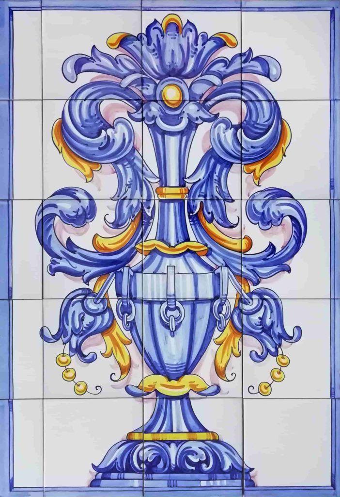 Azulejos artesanos pintados a mano en el estilo sevillano - Artesur- Ornamento vertical 75x50cm - 75579