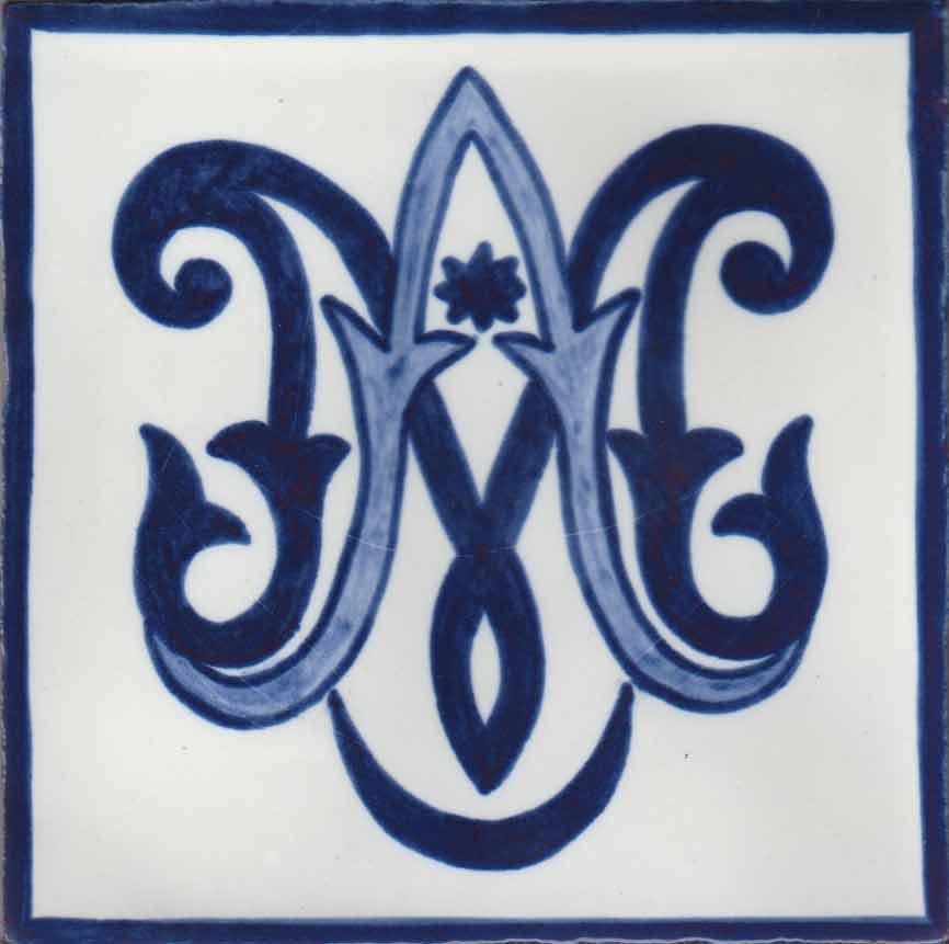 Azulejo pintado a mano - Cerámicas Artesur- Anagrama de María-azul cobalto