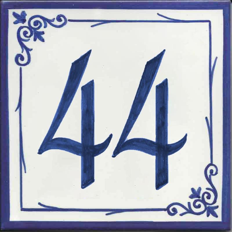 Azulejos sevillanos artesanos pintados a mano - Cerámicas Artesur - Número casa Ref-013-A