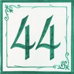 Azulejos sevillanos artesanos pintados a mano - Cerámicas Artesur - Número casa Ref-013-V+ miniatura