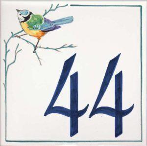 Azulejos sevillanos artesanos pintados a mano - Cerámicas Artesur - Número casa Ref-020-A