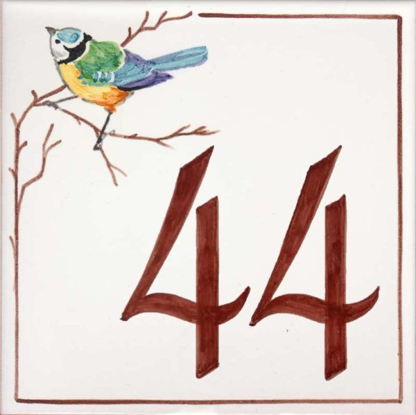 Azulejos sevillanos artesanos pintados a mano - Cerámicas Artesur - Número casa Ref-020-M