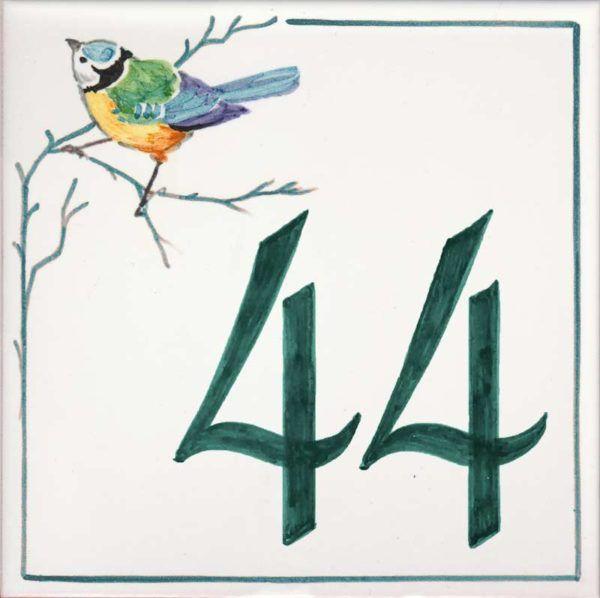 Azulejos sevillanos artesanos pintados a mano - Cerámicas Artesur - Número casa Ref-020-V