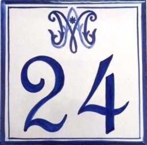 Azulejos sevillanos artesanos pintados a mano - Cerámicas Artesur - Número casa Ref-029
