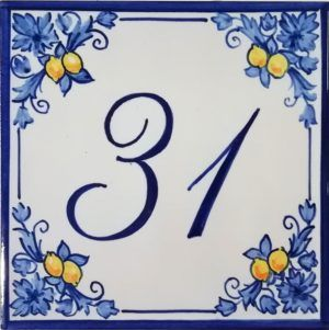 Azulejos sevillanos artesanos pintados a mano - Cerámicas Artesur - Número casa Ref-046-A
