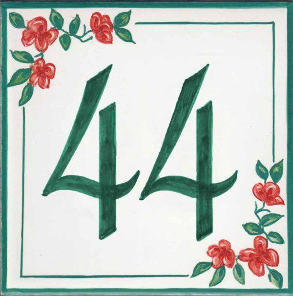 Azulejos sevillanos artesanos pintados a mano - Cerámicas Artesur - Número casa Ref-048-V