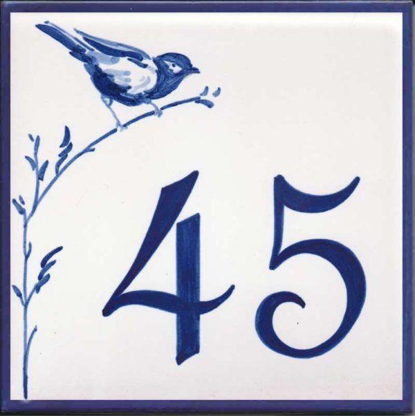 Azulejos sevillanos artesanos pintados a mano - Cerámicas Artesur - Número casa Ref-050-A