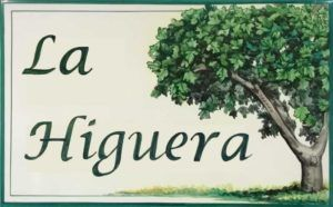 Azulejos artesanos pintados a mano en el estilo sevillano - Cerámicas Artesur - Azulejos para casas - La Higuera - 615